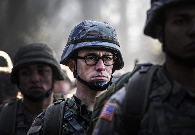 Phim tieu su Edward Snowden tiep tuc lui ngay ra mat hinh anh