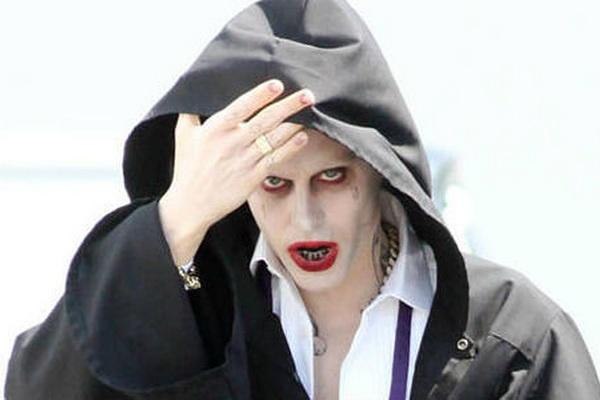 Joker va Riddler suyt gop mat trong 'Batman v Superman' hinh anh