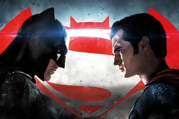 Batman hay Superman an khach hon tai phong ve? hinh anh