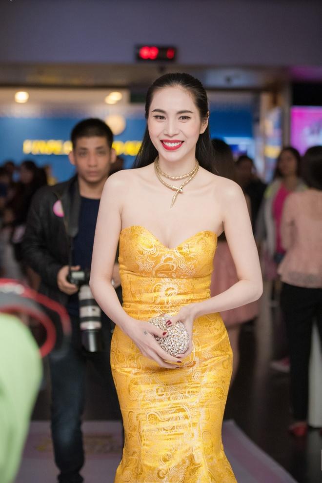 Cong Vinh xuat hien muon de chuc mung Thuy Tien hinh anh 1