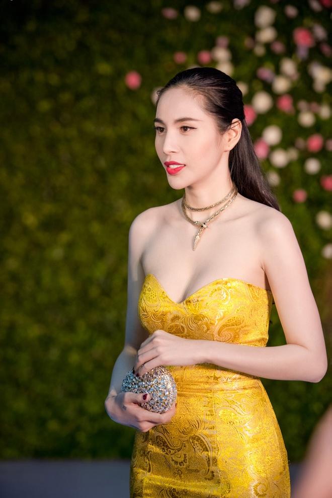 Cong Vinh xuat hien muon de chuc mung Thuy Tien hinh anh 5