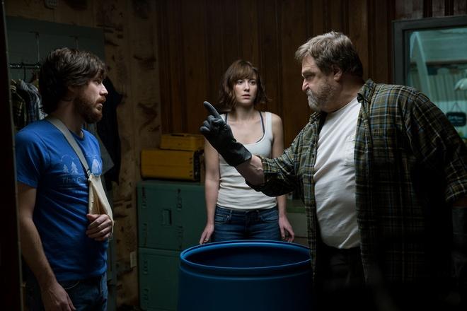Chuyện phim chỉ xoay quanh đúng ba nhân vật, nhưng những bất ngờ liên tục  xảy ra và khiến người xem bất ngờ, ám ảnh. Ảnh: Paramount