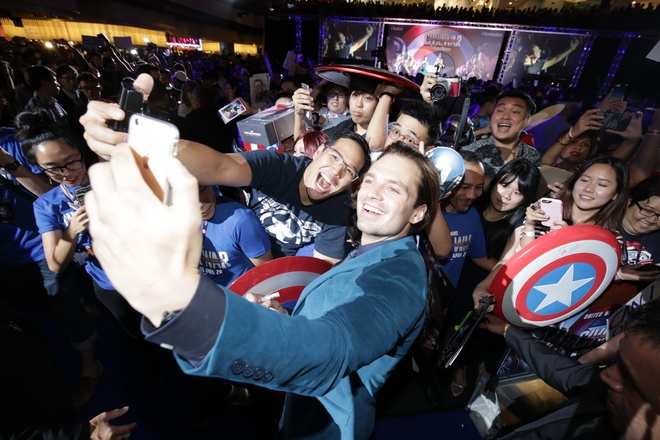 Nguoi dan Singapore cuong nhiet chao don 'Captain America 3' hinh anh 9