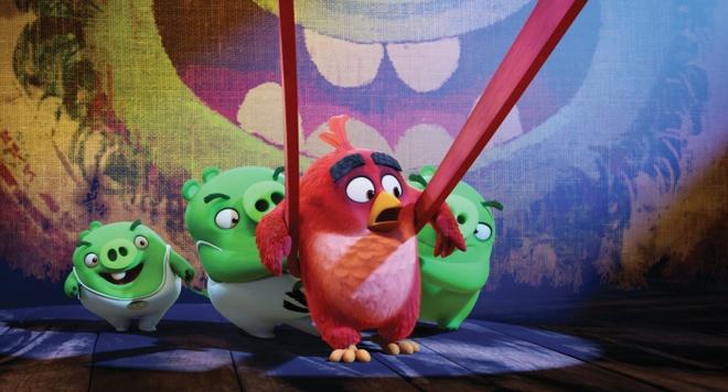 'Angry Birds': Hai huoc, bat mat, nhung chi danh cho tre em hinh anh 4