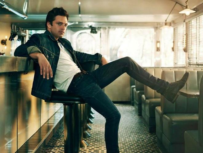 Sebastian Stan: Ga 'Chien binh Mua dong' co nu cuoi toa nang hinh anh 3