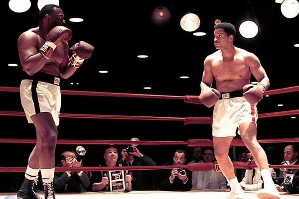 'Ali': Nhung gia tri vo gia den tu huyen thoai Muhammad Ali hinh anh