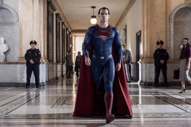 Ban phim hon 3 tieng cua 'Batman v Superman' co gi thu vi? hinh anh