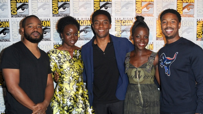 Cuoc so ke an tuong giua Marvel va DC tai Comic-Con 2016 hinh anh 2