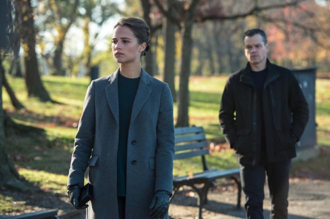 'Jason Bourne': Sieu pham hanh dong mua he 2016 hinh anh 4