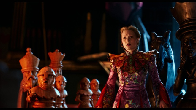 review phim Alice Through the Looking Glass anh 2