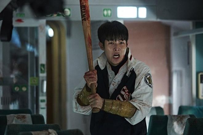 'Train to Busan' bi cat mot so canh quan trong tai Viet Nam hinh anh 4