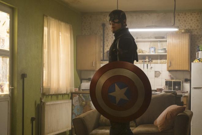 Steve Rogers khong con la Captain America tren phim hinh anh 1