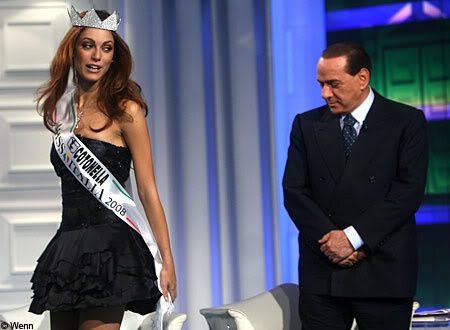 Cuoc doi song gio cua Silvio Berlusconi duoc dua len phim hinh anh 1