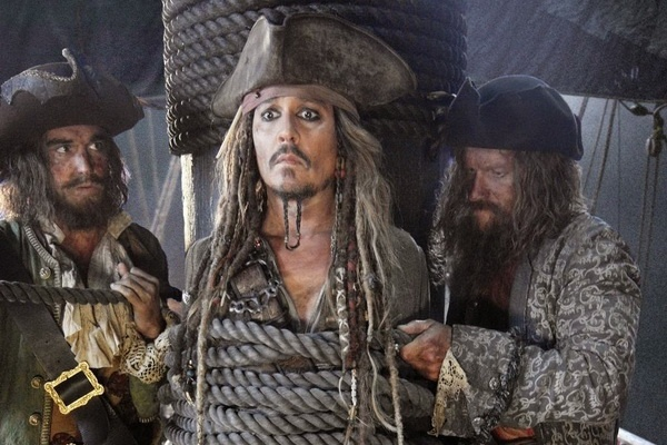 Johnny Depp vang mat trong trailer 'Cuop bien Caribe 5' hinh anh