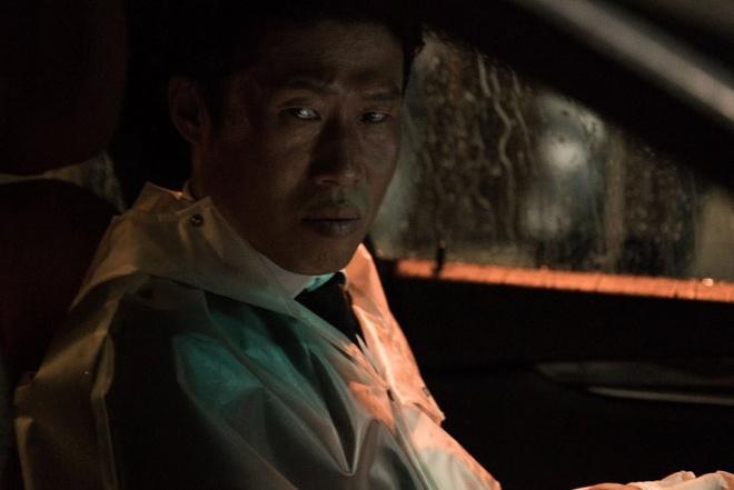 Trailer bo phim 'Xin loi anh chi la sat thu' hinh anh