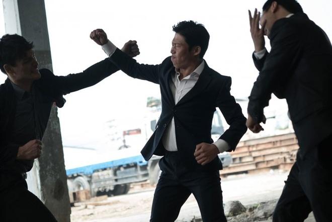 Phim hai 'Xin loi anh chi la sat thu' cua Han den Viet Nam hinh anh