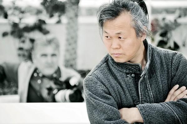 Nghe si Han Quoc doi chinh phu minh bach vu 'danh sach den' hinh anh