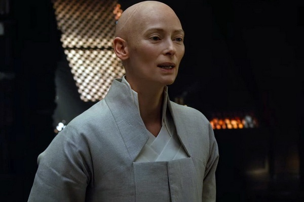 Doan phim Doctor Strange phan phao cao buoc 'tay trang' hinh anh