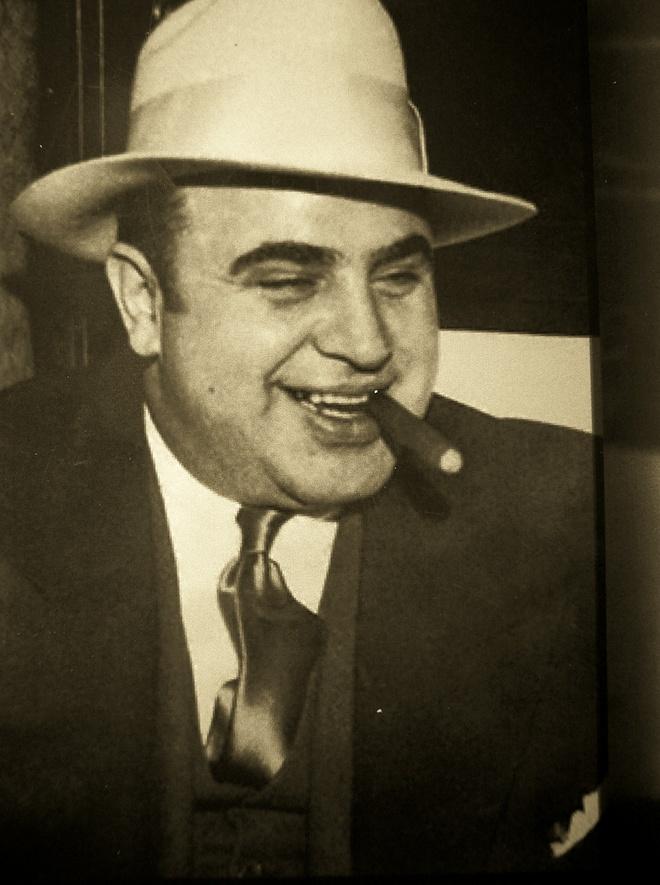 Tai tu 'Mad Max' hoa than thanh bo gia Al Capone hinh anh 2
