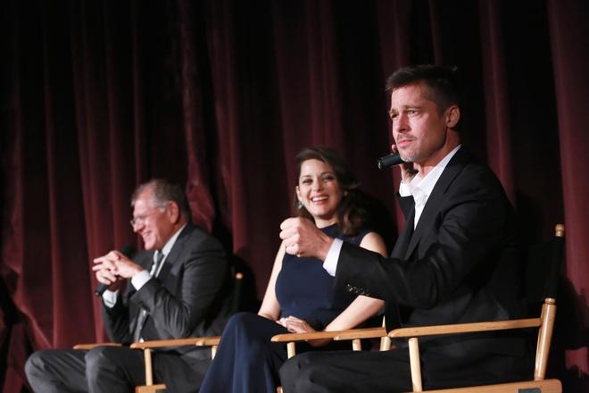 Brad Pitt xuat hien tai buoi ra mat phim sau vu ly hon on ao hinh anh 2