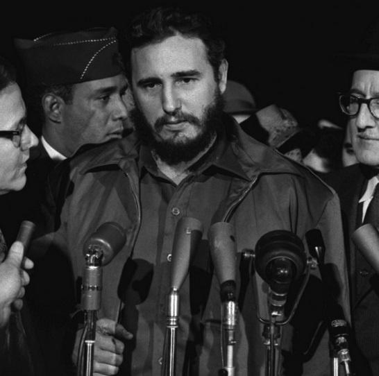 Fan keu goi sao 'Taken' dong phim ve lanh tu Fidel Castro hinh anh 7