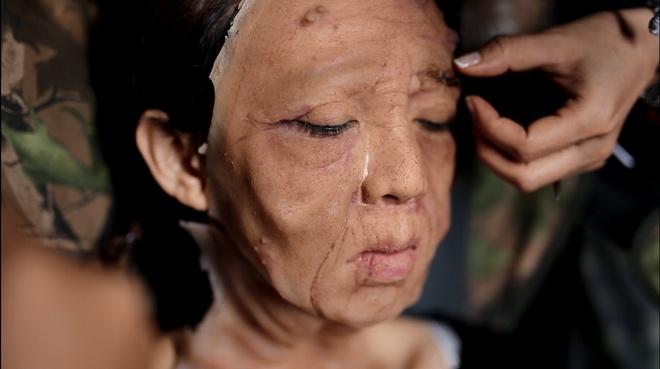 Thu Trang khong dam soi guong khi dong phim cung Hoai Linh hinh anh 2