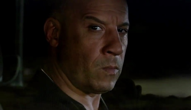 Vin Diesel phan boi The Rock va dong doi trong 'Fast 8' hinh anh