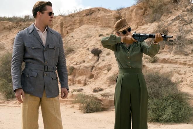 Brad Pitt lep ve so voi ban dien trong 'Lien minh sat thu' hinh anh 3