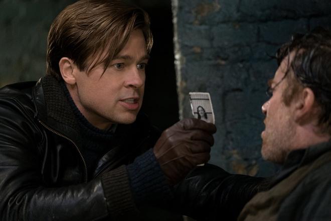 Brad Pitt lep ve so voi ban dien trong 'Lien minh sat thu' hinh anh 4