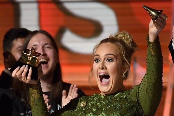 Grammy 2017: Sau su co chui the, Adele dai thang Beyonce hinh anh
