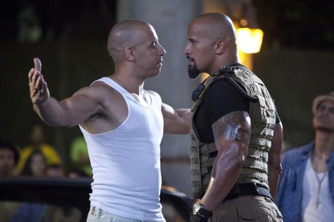 Cai va giua Vin Diesel va The Rock anh huong den 'Fast 8' nhu the nao? hinh anh