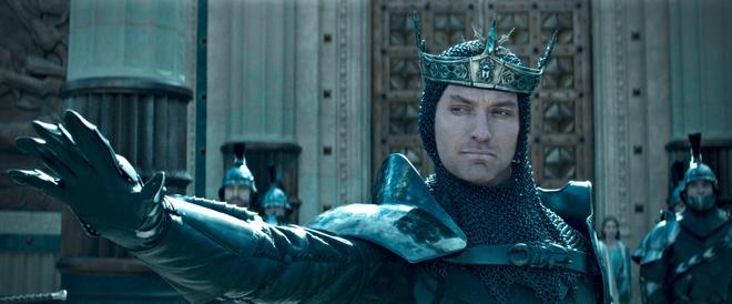 'Vua Arthur: Thanh guom trong da' tham bai tai phong ve Bac My hinh anh 2