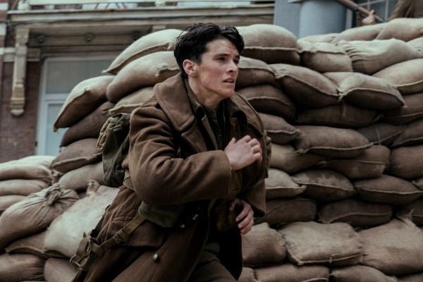 Bom tan 'Cuoc di tan Dunkirk' thang lon ngoai du kien hinh anh 1