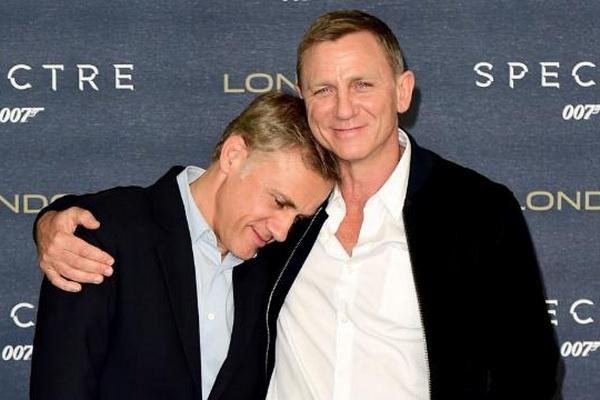 Sao Oscar chia tay loat phim '007' hinh anh