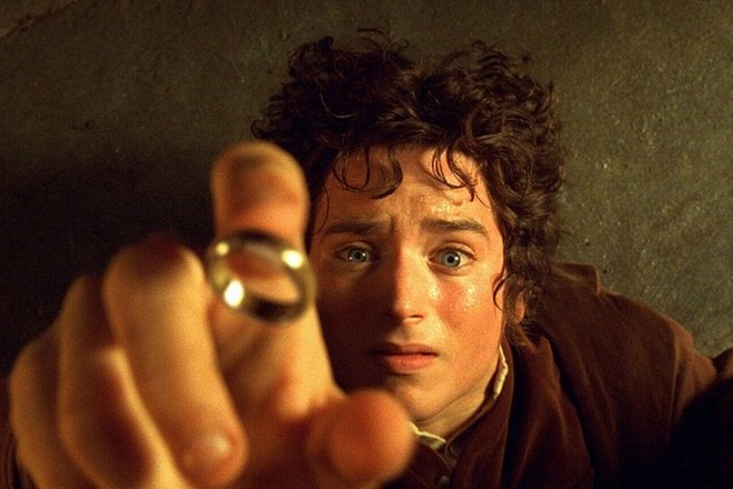 phim truyen hinh Lord of the Rings anh 1