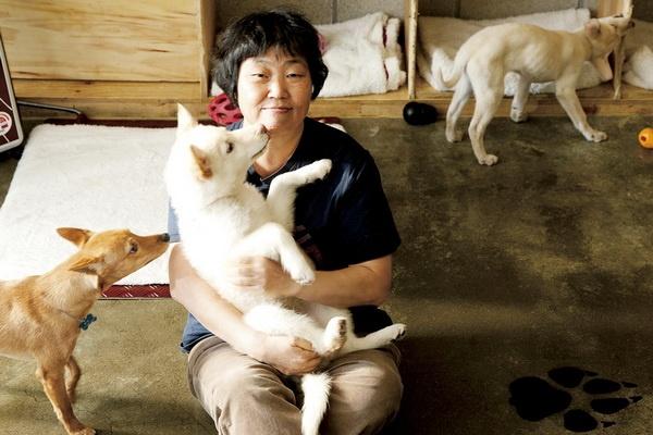 Nu dao dien Yim Soon-rye: 'Khan gia xem phim lam lai mai se thay chan' hinh anh