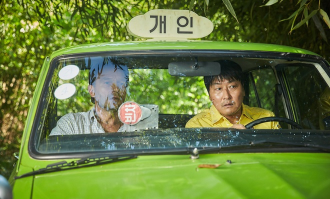Phim dam mau ve lich su Han Quoc an khach nhat nam 2017 hinh anh