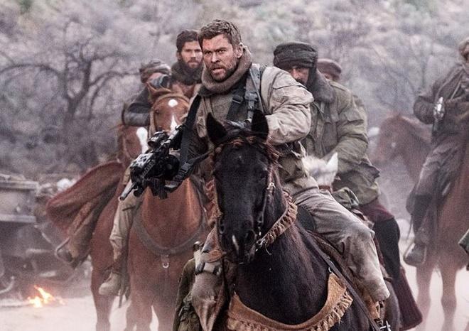 Chris Hemsworth khong the truat ngoi The Rock tai phong ve hinh anh