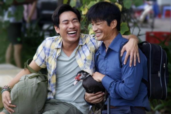 Phim Tet '798Muoi': Khi Dustin Nguyen hoc theo Chau Tinh Tri hinh anh