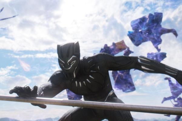 Lap them ky tich phong ve, 'Black Panther' nham toi cot moc 1 ty USD hinh anh