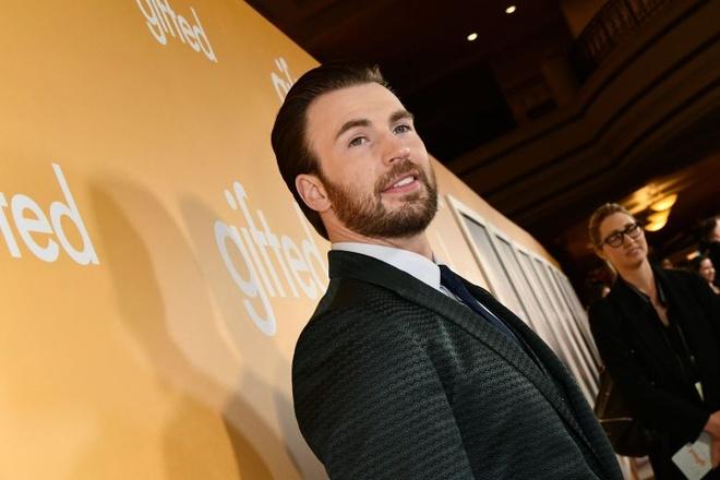 'Captain America' Chris Evans thu suc voi dong phim tham hoa hinh anh 1
