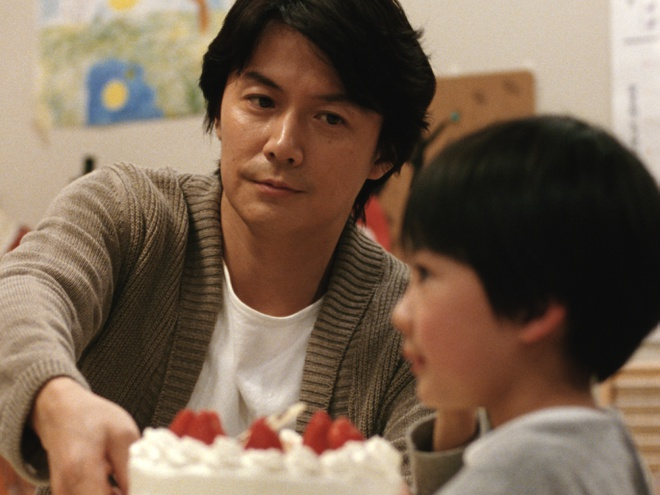 'Like Father, Like Son': Cau chuyen trao nham con cua nguoi Nhat Ban hinh anh