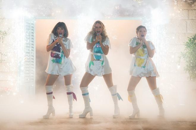 'Mamma Mia 2' duoc gioi phe binh ung ho hon han phan truoc hinh anh