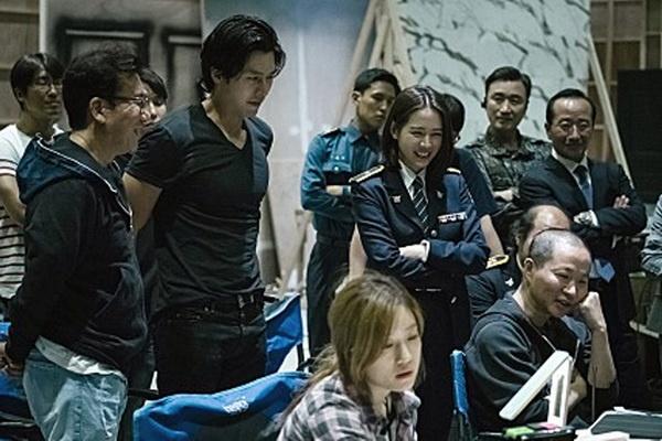 Doi choi Son Ye-jin, Hyun Bin lan dau vao vai phan dien hinh anh 2