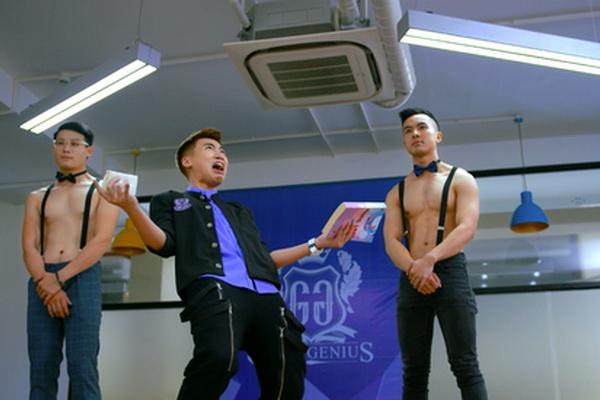 'Truong hoc ba vuong': Cai tat so sang vao mat fan cua Chau Tinh Tri hinh anh