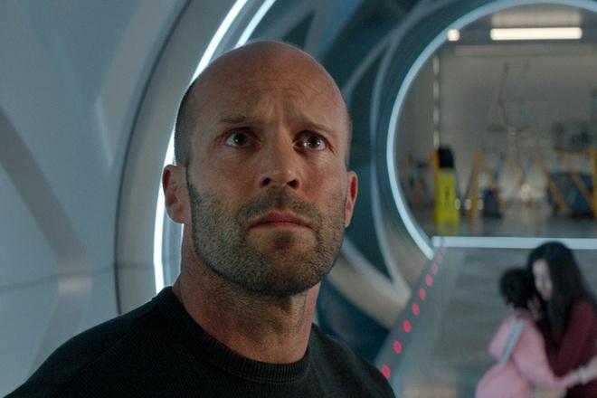 Phim ca map cua Jason Statham bi luoc gan het canh mau me, bao luc hinh anh