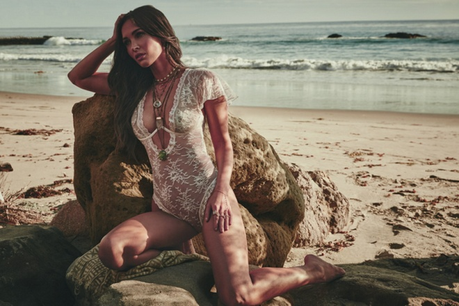 'Qua bom sex' Megan Fox toi Han Quoc dong phim chien tranh hinh anh