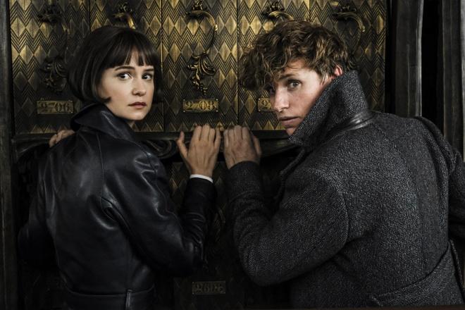 Trailer bo phim 'Sinh vat huyen bi: Toi ac cua Grindelwald' hinh anh