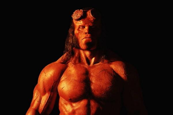 Phien ban moi cua 'Hellboy' ra mat muon ba thang hinh anh