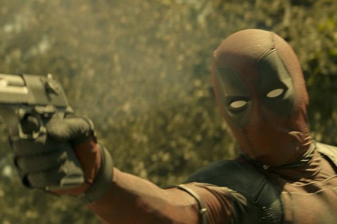 'Deadpool 2' ra ban PG-13 it mau me: Chieu bai moi cua Hollywood? hinh anh
